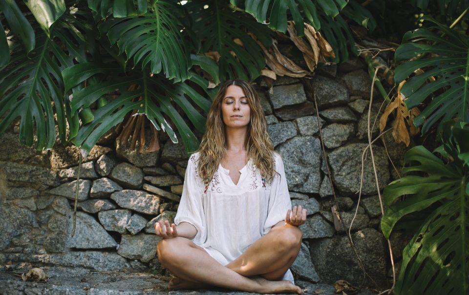 Aprende a trabalhar a tua energia feminina em 5 passos